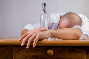 alcohol alcoholic drunk 52507 2 300x200 - Do You Want To Stop Drinking?